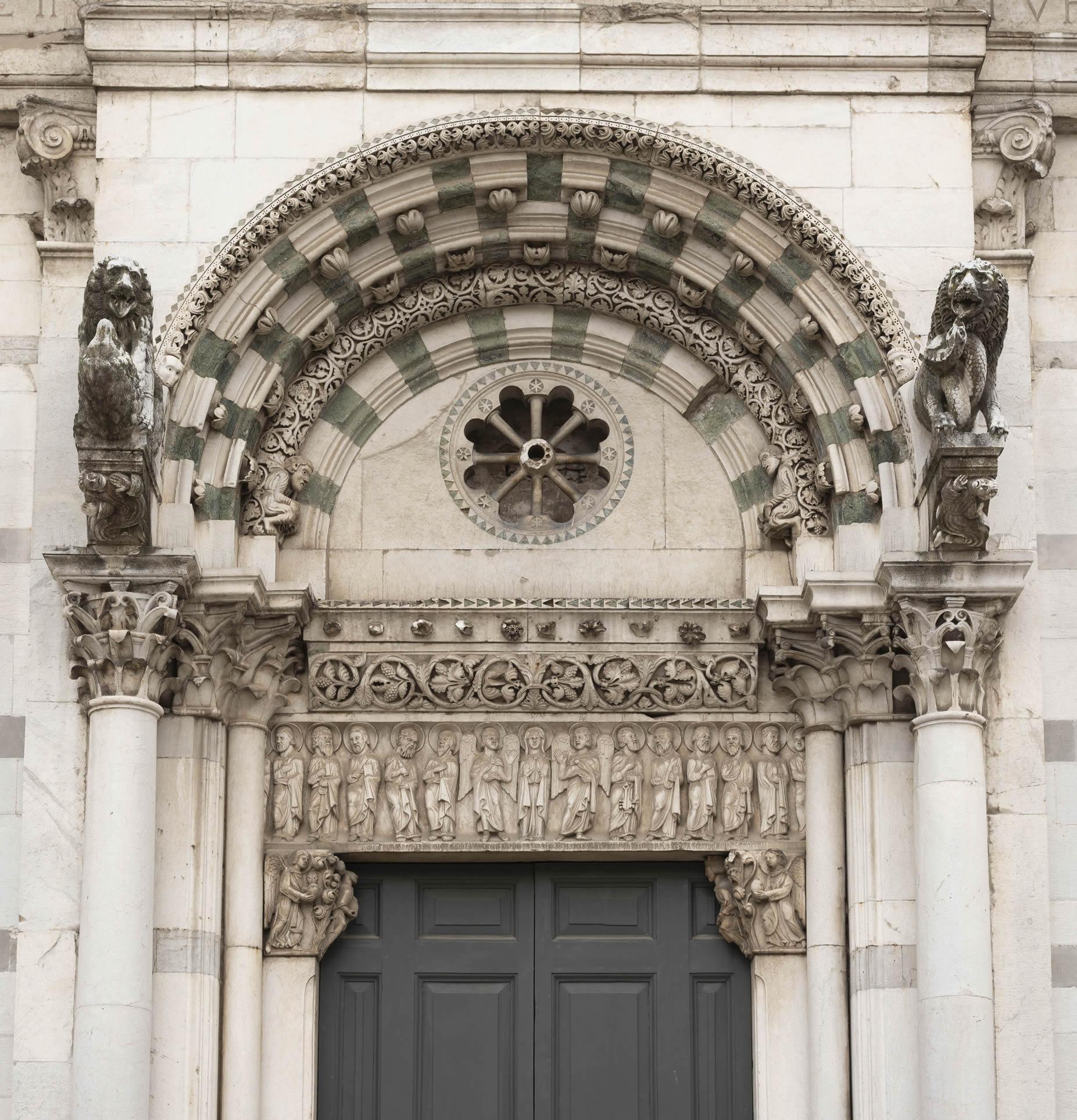 portale-romanico-front